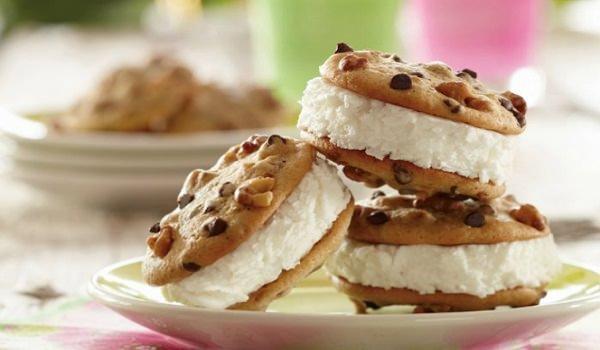 Το τέλειο παγωτό – σάντουιτς μόνο 4 υλικά