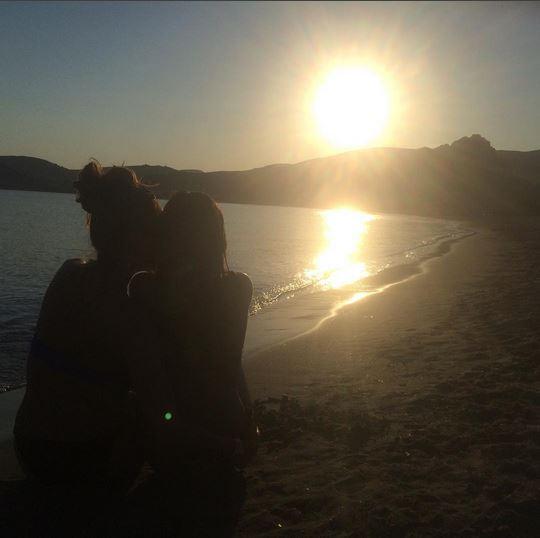 Δέσποινα Βανδή: Η τρυφερή φωτογραφία με την κόρη της στην θάλασσα