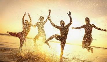 Χωρίς φίλους ζεις λιγότερο από έναν αλκοολικό ή παχύσαρκο άνθρωπο