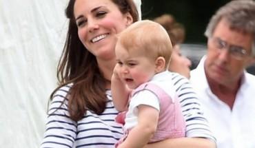 Δεν θα πιστεύετε από που ψωνίζει ρούχα και παπούτσια για τον Πρίγκιπα Τζόρτζ η Kέιτ Μίντλετον