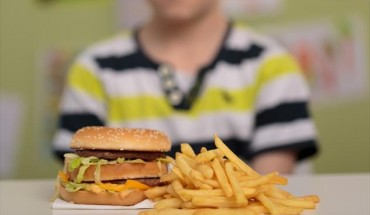 Θλιβερή πρωτιά της Ελλάδας στην κεντρική παιδική παχυσαρκία