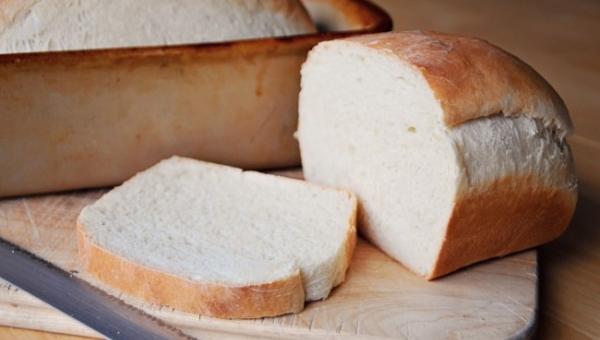 Γιατί πρέπει να μειώσετε το λευκό ψωμί στη διατροφή σας