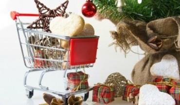 8 Tips για να αποθηκεύσετε σωστά τα στολίδια και τα λαμπάκια των χριστουγέννων