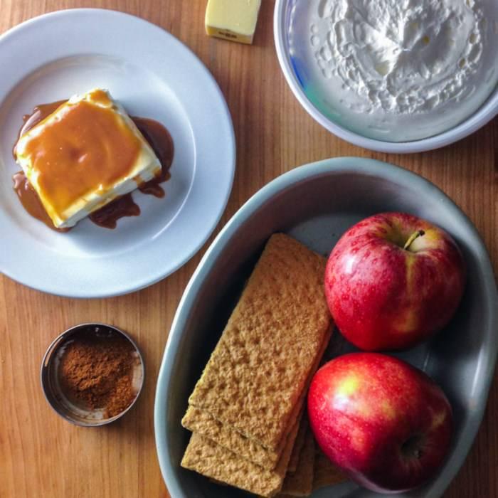 Φανταστική συνταγή για τέλεια μηλόπιτα χωρίς ψήσιμο!