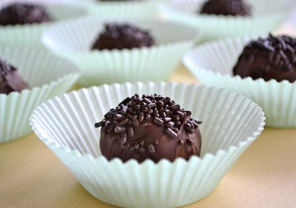 Τρουφάκια OREO με επικάλυψη σοκολάτας μόλις με 3 υλικά