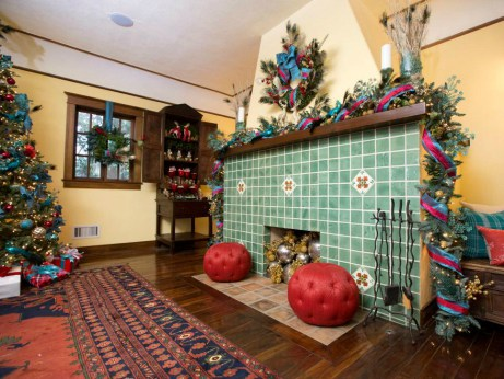 Υπερβολική χριστουγεννιάτικη διακόσμηση στα σπίτια 4 διάσημων