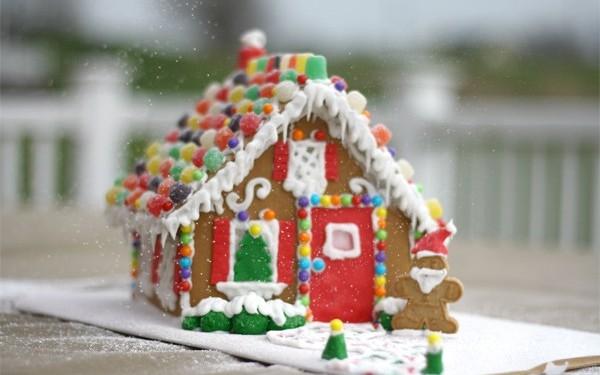 Χριστουγεννιάτικο σπιτάκι από μπισκότα