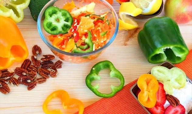 5 συνδυασμοί υγιεινών τροφών που αυξάνουν τη διατροφική τους αξία