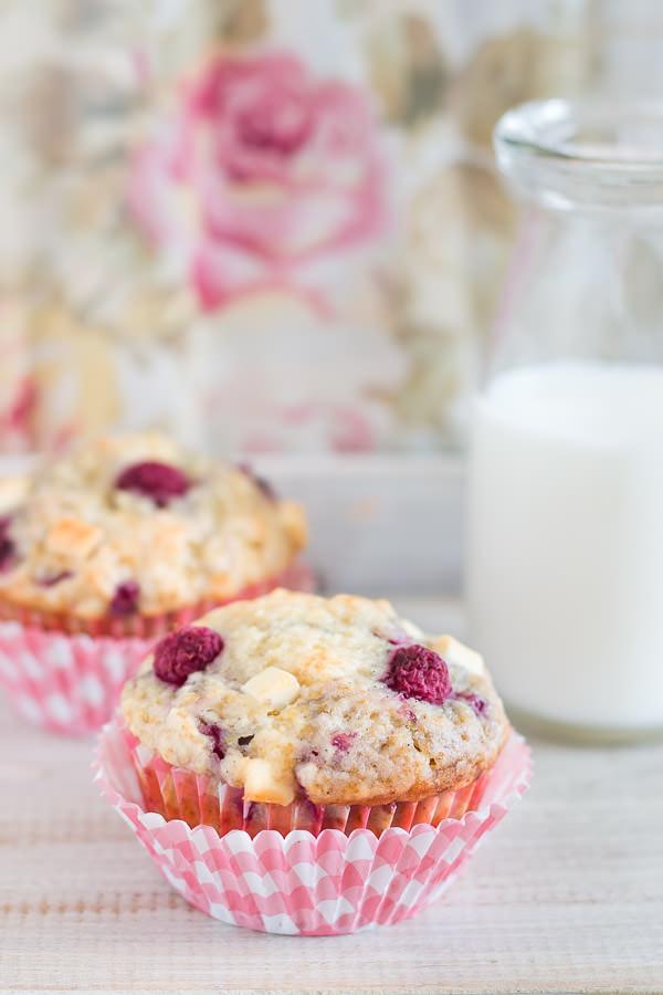 Rapberry-White-Chocolate-Muffins-2