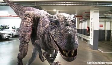 deinosauros-spernei-tromo-se-ypogeio-parking (500 x 281)