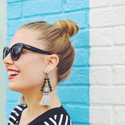 Τα σωστά χτενίσματα για να αναδείξετε τα σκουλαρίκια σας