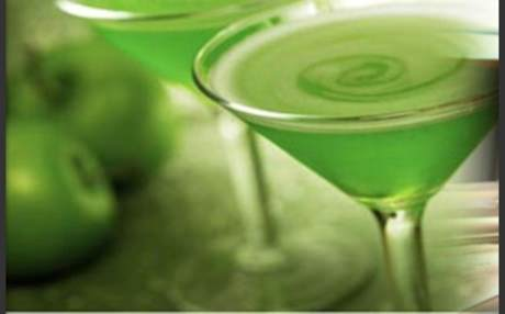Sour-Apple-Martini_b2