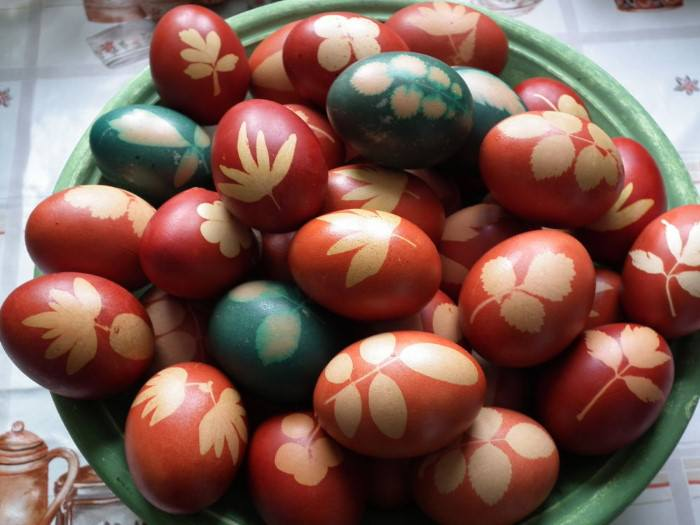 πρωτότυποι τρόποι να βάψετε τα πασχαλινά αυγά
