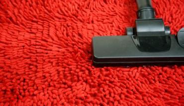 5 Πράγματα που «απαγορεύεται» να αγγίξει η ηλεκτρική σκούπα σας