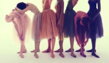 Τα νέα «γυμνά» παπούτσια του Louboutin ανοίγουν μια πολύ σοβαρή συζήτηση στον κόσμο της μόδας
