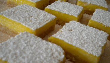 γλυκό ψυγείου με άρωμα λεμονιού