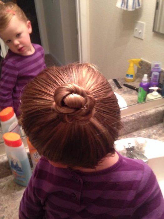 Πατέρας μαθαίνει πως να φτιάχνει τα Μαλλιά της Κόρης του 4