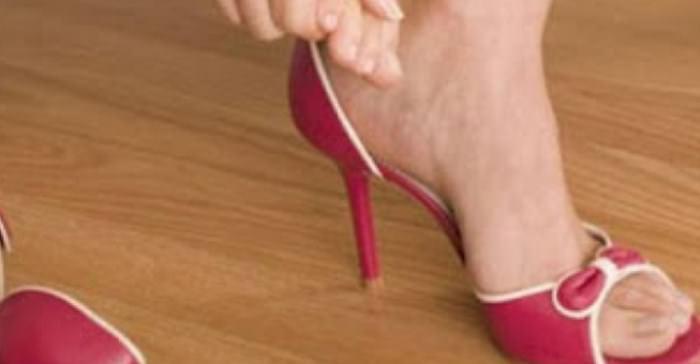 στενά παπούτσια