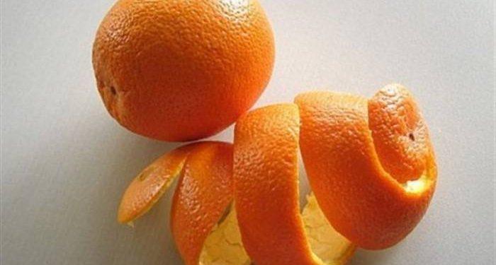 φλούδα πορτοκαλιού μέσα στο φούρνο