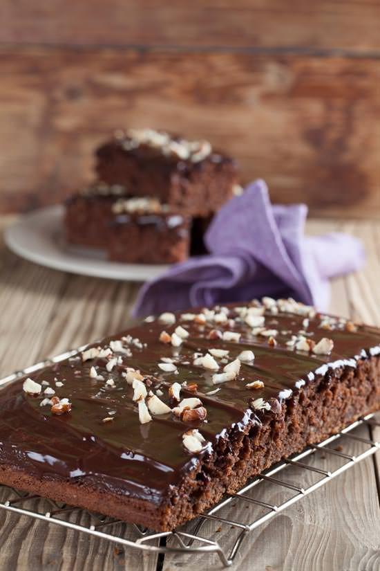 Κέϊκ σοκολάτας με φουντούκια
