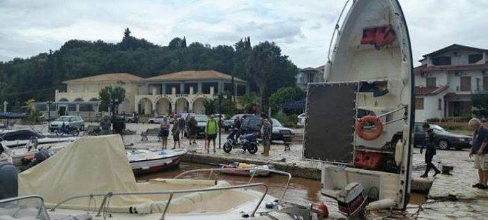 Σύβοτα, σαν να πέρασε τυφώνας -Ασύλληπτες εικόνες με βάρκες να έχουν βουλιάξει 1