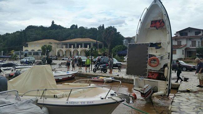 Σύβοτα, σαν να πέρασε τυφώνας -Ασύλληπτες εικόνες με βάρκες να έχουν βουλιάξει 2