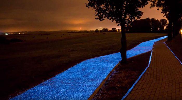 Στην Πολωνία υπάρχει ένας ποδηλατόδρομος που φωτίζεται από το φως του ήλιου. 4