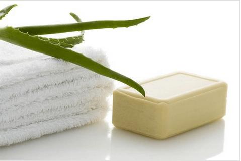 Πώς μπορείτε να φτιάξετε σαπούνι με αλόη βέρα 4