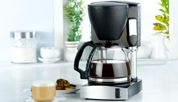 Καθαρίστε την καφετιέρα από τα άλατα