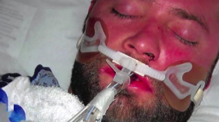 Οι Γιατροί του είπαν να Αποσυνδέσει το Μηχάνημα που Κρατάει στη Ζωή τον Εγκεφαλικά νεκρό Γιο του. Τότε όμως συνέβη το Αδιανόητο! 2