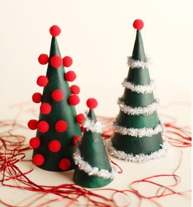 15 Χειροποίητα Χριστουγεννιάτικα Δεντράκια που Μπορείτε να Φτιάξετε Μόνες σας τις Φετινές Γιορτές. Θα τα Λατρέψετε!  16
