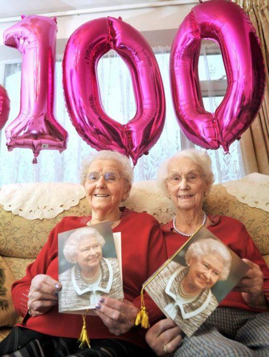 Δίδυμες ετών 100 8