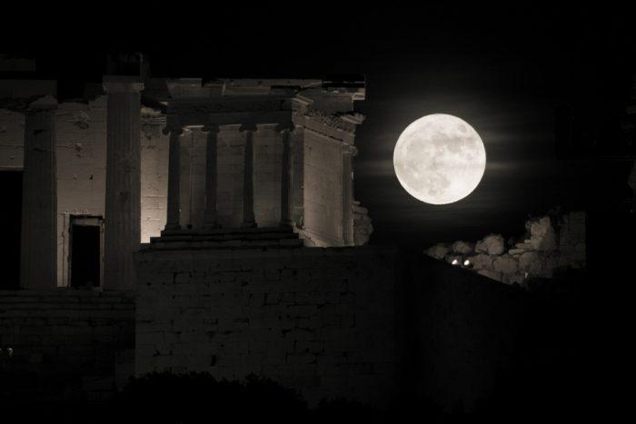 Η πανσέληνος πιο κοντά από ποτέ – Εντυπωσιακά τοπία από την Ελλάδα και όλο τον πλανήτη 4