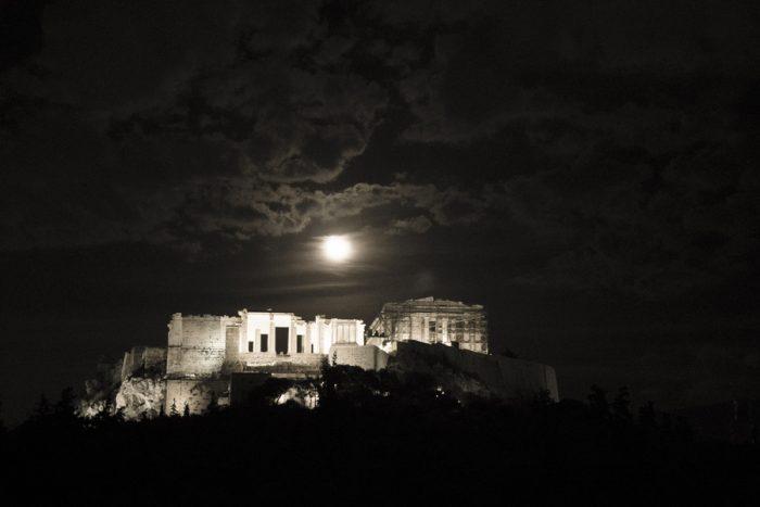 Η πανσέληνος πιο κοντά από ποτέ – Εντυπωσιακά τοπία από την Ελλάδα και όλο τον πλανήτη 8