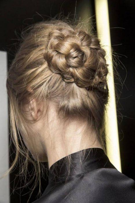 Χειμωνιάτικα χτενίσματα με πλεξούδες για όλα τα μήκη μαλλιών! 3