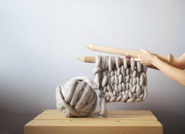 DIY: Δείτε Πώς θα Πλέξετε Αυτή την Κουβέρτα Μέσα σε 1 Μέρα 5